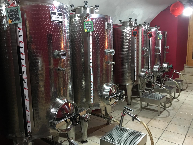 allestimento punto vendita serbatoi vino enologia enoogico