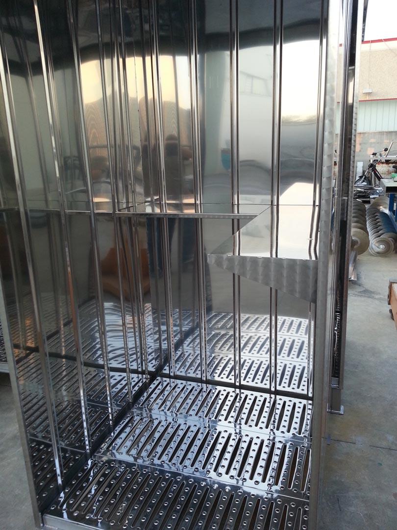 armadietto in acciaio inox con mensola interna
